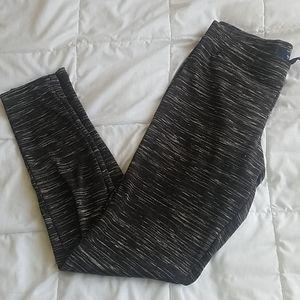 Gap black & white leggings